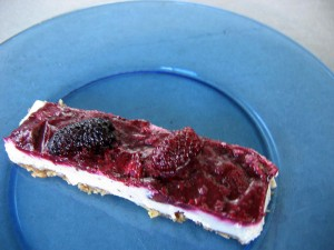 Raw blackberry cheesecake