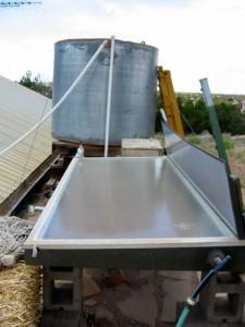 Solar water distiller