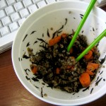 Dining al desko: Wild rice with hijiki and carrots